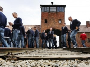 """Il giorno della memoria, L'Italia ricorda le vittime della Shoah """"contro ogni razzismo"""""""