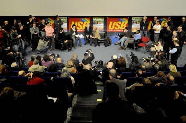 Torino, Il regista Ken Loach incontra i lavoratori in una assemblea pubblica