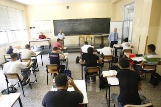 Scuola, maxi-concorso per gli insegnanti: 70mila posti dalle elementari alle superiori