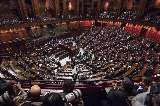 Al via la xvii legislatura caos sull 39 elezione dei for Camera del senato e dei deputati