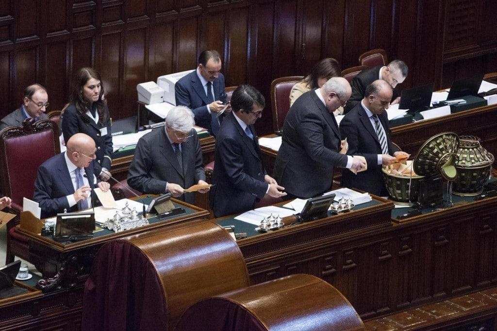 Al via la xvii legislatura caos sull 39 elezione dei for Camera dei deputati diretta video