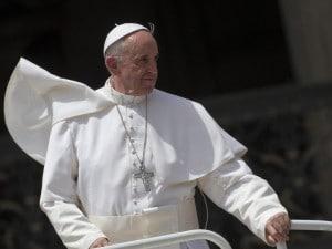 """""""Fare il bene"""" non è un'esclusiva dei cristiani, ma tutti possono e devono farlo. Lo ha detto Bergoglio commentando un passo del Vangelo: il Papa ha spiegato che i discepoli si sono ritrovati a essere chiusi nell'idea di possedere la verità: """"Erano un po' intolleranti""""."""