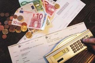 Aumento bollette, quanto pagheremo nei prossimi mesi: Arera spiega quando i prezzi scenderanno di nuovo