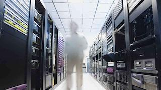 Oltre un milione di dati personali dei clienti rubati ai gestori di telefonia: 13 arresti