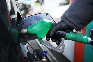 Sciopero dei benzinai dal 6 all'8 novembre: disagi su strade e autostrade contro la Manovra