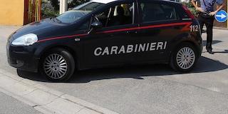 Arezzo, va in caserma ma si rifiuta di parlare con il carabiniere perché è meridionale