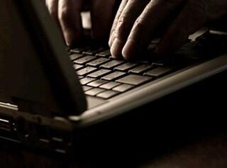 Trento, giovane muore in diretta web durante gioco erotico in chat