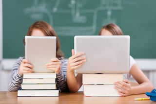 """Scuola, attacco hacker mette fuori servizio registri elettronici e app genitori: """"Ripristino domani"""""""