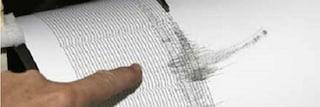Terremoto, nuova scossa in Albania di magnitudo 5.4 all'alba: si scava tra le macerie