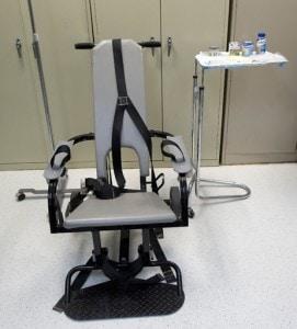 La sedia usata per praticare l'alimentazione forzata