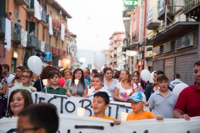Terra dei fuochi: bonifiche a rischio infiltrazioni mafiose e il fango sui cittadini che protestano