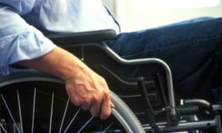 Torino, travolto in carrozzina da una Maserati sulle strisce: muore anziano disabile