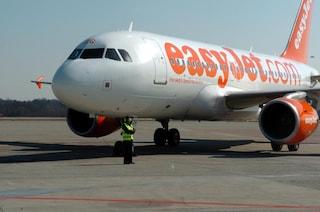 Il pilota ha un malore a bordo, paura su un volo Easyjet: atterraggio d'emergenza a Venezia