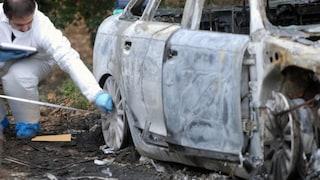 Scoperta shock a Modena, nell'auto cadavere carbonizzato di una donna: bruciata e chiusa dentro
