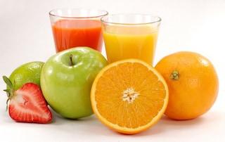 Per tre settimane beve solo acqua e succhi di frutta: riporta danni gravissimi al cervello