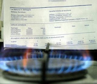 Bollette, da ottobre aumento del 2,6% per l'elettricità e del 3,9% per il gas