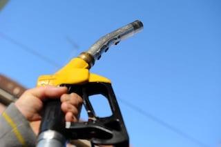 Dopo il lockdown aumentano i prezzi del carburante: benzina risale a 1,4 euro al litro