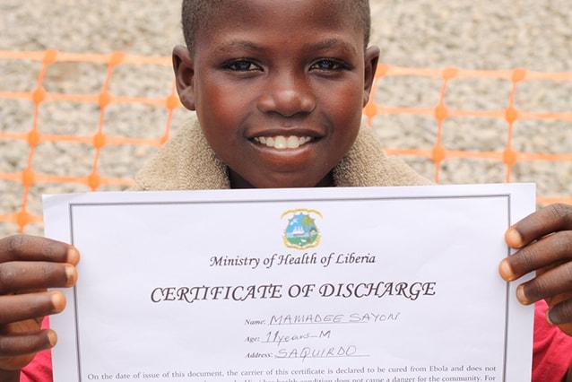 Mamadee, 11 anni, è stato ammesso al centro di trattamento Ebola di MSF a Foya, in Liberia, il 15 agosto. È risultato positivo al virus ma è guarito e il 4 settembre è potuto tornare a casa (@Martin Zinggl/MSF).