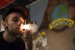 Amsterdam, il sindaco vuole vietare il consumo di cannabis ai turisti