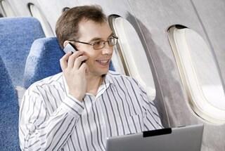 Da Boeing arriva il no a smartphone, tablet e computer accesi in volo