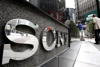 Sony riduce del 40% le previsioni dei profitti per il 2013