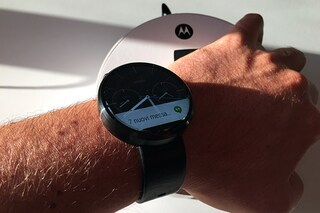 Motorola Moto 360, unboxing e prime impressioni dello smartwatch con display circolare [VIDEO]