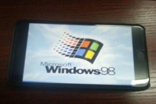 Windows 98 installato su iPhone 6 Plus [FOTO]