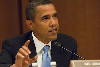 Barack Obama firma l'atto per il turismo