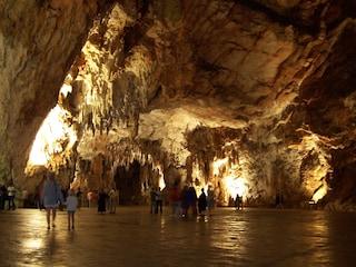 Grotte di Postumia: in Slovenia i sotterranei più visitati dai turisti