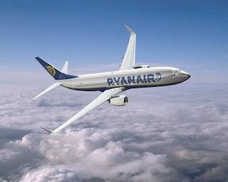 Ryanair: voli low cost con bagni a pagamento e posti in piedi. COSA NE PENSATE?