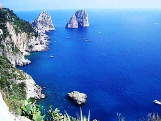 Come arrivare a Capri e come muoversi sull'isola
