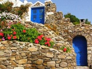 la grecia vende mykons per la crisi economica