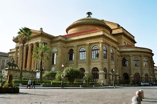 Rifiuti anche a Palermo: per i turisti una vacanza nel declino dell'Occidente