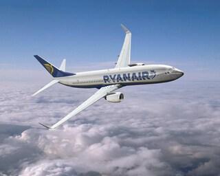 A Ryanair rispondono i medici: i posti in piedi sono pericolosi
