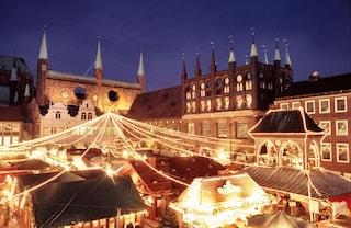 Mercatino di Natale a Salisburgo, bambini in piazza