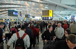 Heathrow: maltempo e neve sull'aeroporto di Londra