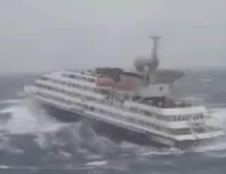Video della nave da crociera Clelia 2 vittima della tempesta