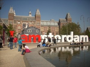 viaggi low cost per la capitale d'Olanda