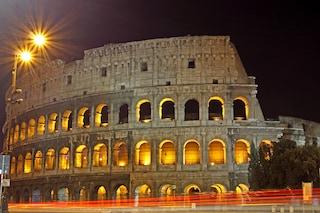 Visitare il Colosseo di notte: le luci sotto le stelle di un monumento eterno