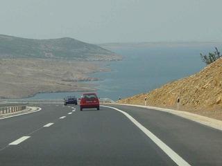 Croazia in auto: itinerari, costi di affitto, prezzo della benzina e limiti di velocità