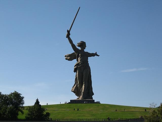 statue motherland calls
