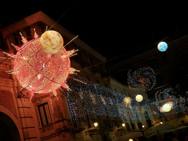 Salerno natale 2011 luci d'artista pianeti
