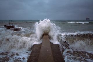 La maestosità del mare in tempesta