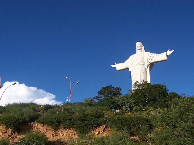 statue cristo de la concordia