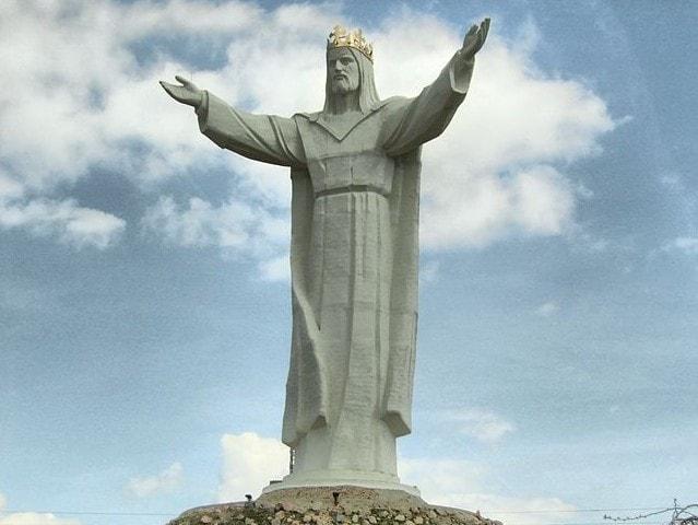 statue cristo polonia