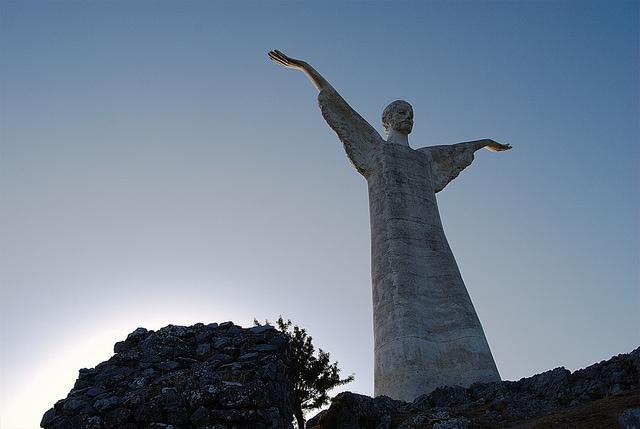 statue cristo redentore maratea