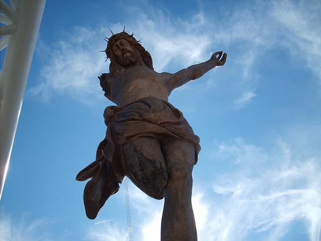statue cristo roto