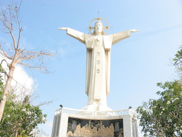 statue cristo vung tau
