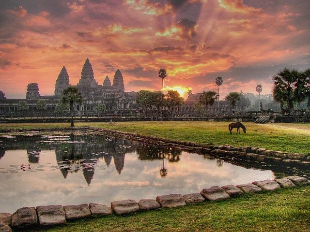 Alba ad Angkor