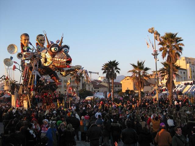 Carnevale di Viareggio origini